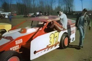 Jeremiah and Travis Shingledecker with the 1999 small small block at Mercer