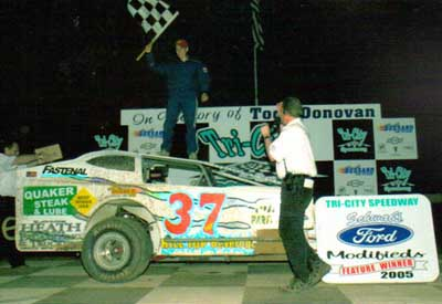 2005 - Lex wins