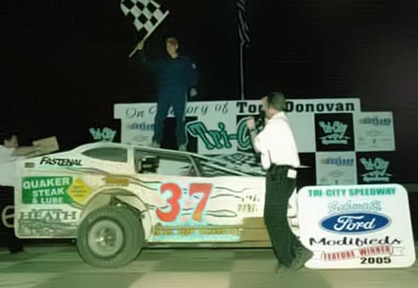 2005 - Lex wins at Tri-City