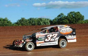 Jeremiah on his way to victory at Lernerville